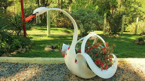 Лебедь на участке своими руками 35