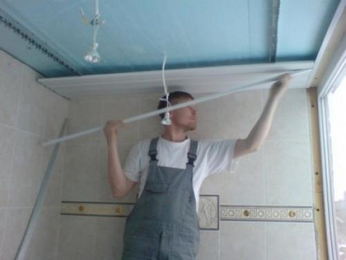 Монтаж панели пвх на потолок своими руками