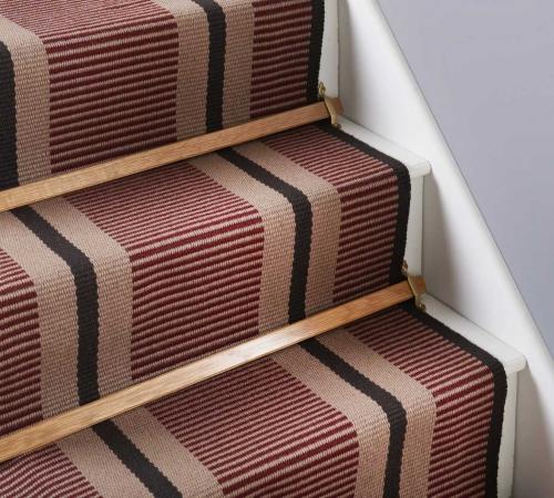 Картинки по запросу Ковровое покрытие для лестницы