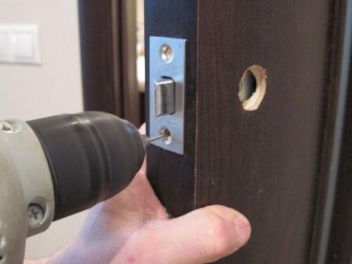 Как собрать дверную ручку