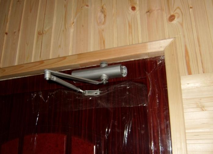 Доводчик для металлических дверей своими руками 945
