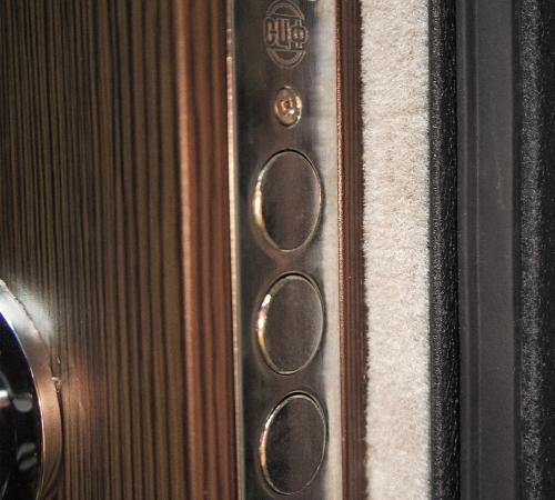 8 27 - Уплотнитель для дверей как правильно клеить