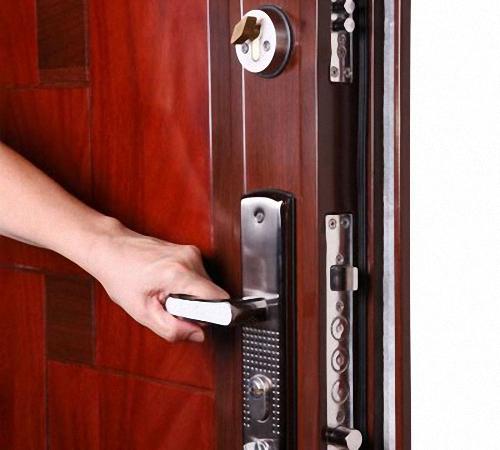 9 24 - Уплотнитель для дверей как правильно клеить